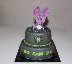 Stapeltaarten - Koning Kikker.          Skylander cake