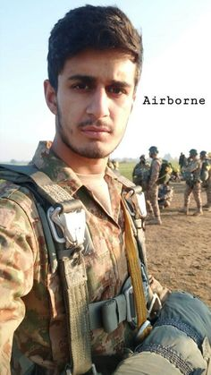 Pak Army Soldiers, Army Pics, Pakistan Armed Forces, Pakistan Zindabad, Army Love, First Love, Military, Lovers, Places