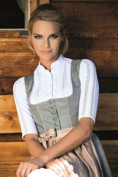 Gstandne Madl - MarJo Drindl Dress, Beer Girl, German Women, German Fashion, Classic Style Women, Classy Women, Traditional Dresses, Country Girls, Medieval Dress
