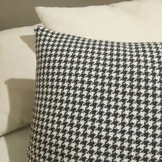 Danza @ Ontario Fabrics #patadegallo #potadegall #tapiceria #tapisseria #deco #ontario #fabrics