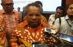 Bupati Kabupaten Mimika Eltinus Omaleng menyebut Provinsi Papua tak hanya menguasai 10 persen saham PT. Freeport Indonesia.     Melainkan ...