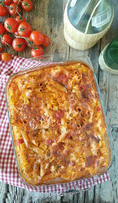 Pochi minuti per mescolare gli ingredienti e poi dritta in forno per la cottura! Una FURBATA! Ecco la PASTA AL FORNO A CRUDO è una ricetta sciuè sciuè! #ilmondodiadry #pasta #pastaalforno #furba SCOPRITE LA RICETTA FURBA https://blog.giallozafferano.it/adryincucina/2018/04/20/pasta-al-forno-a-crudo/