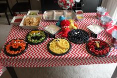 Elmo Birthday Party, Sesame street That's such a cute idea! Twin First Birthday, Elmo Birthday, First Birthday Parties, Birthday Party Themes, First Birthdays, Birthday Ideas, Girl Parties, Birthday Stuff, Sesame Street Party