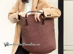 Crochet Purses, Knitted Bags, Types Of Fashion Styles, Louis Vuitton Damier, Purses And Bags, Pattern, Crochet Baskets, Tote Handbags, June