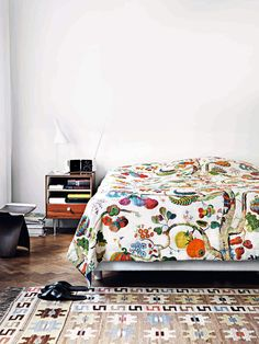 Josef Frank, Tiny House, Mid-century Modern, Fabric, Bedside Tables, Furniture, Bedroom Ideas, Bedrooms, Gadgets