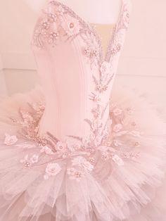 Pink Costume, Tutu Costumes, Ballet Costumes, Ballet Tutu, Ballet Dance, Ballerina, Dancing In The Moonlight, Dance Art, Costume Design