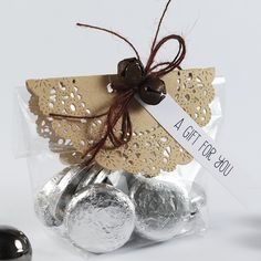 Pink Petticoat : Christmas Table Favours