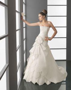 Pretty A-line dropped waist taffeta wedding dress