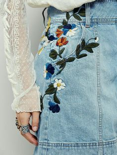 Jackson Embroidered Denim Skirt This vintage-inspired denim mini skirt will have you dreaming of days past. Featuring floral embroidery along the hips and button detailing up the front. Rigid cotton fabric and A-line silhouette with hip pockets. Style Outfits, Cute Outfits, Diy Rock, Fashion Mode, Womens Fashion, Style Feminin, Diy Vetement, Mode Jeans, Mode Inspiration
