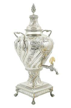 LOT 425 An English silver Samovar, London, George III h. 54 cm.