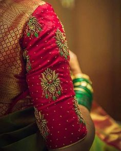 Fashion Dresses Indian Blouses New Ideas Wedding Saree Blouse Designs, Pattu Saree Blouse Designs, Simple Blouse Designs, Stylish Blouse Design, Fancy Blouse Designs, Maggam Work Designs, Designer Blouse Patterns, Designer Dresses, Mode Hijab