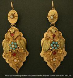 Portugal. brincos de gramalheira Snake Jewelry, Eye Jewelry, Jewelry Art, Jewelery, Jewelry Accessories, Jewelry Design, Gold Jewelry, Antique Jewellery Designs, Antique Jewelry