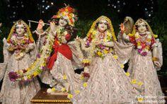 To view Radha Gopinath Wallpaper of Chowpatty in difference sizes visit - http://harekrishnawallpapers.com/sri-sri-radha-gopinath-lalita-vishakha-wallpaper-005/