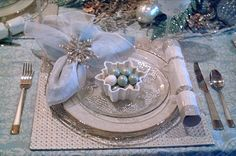 Candlelight Supper: Icy Blue Snowflake Tablescape