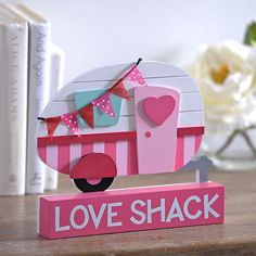 Make your Valentine's tabletop space pretty in pink with our Love Shack Camper Word Block. Retro and colorful, it's a fantastic Valentine's décor piece. Diy Camping, Camping Crafts, Camping List, Camping Items, Camping Stuff, Camping Hacks, Valentine Box, Vintage Valentines, Valentine Crafts