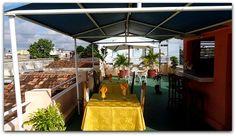 Detalle de la terraza-bar superior con vistas a la ciudad de Cienfuegos. Cienfuegos, Cuba, Colonial, Terrace