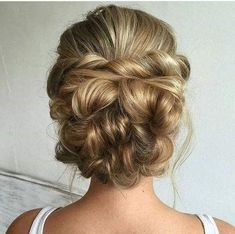 Best Hairstyles for Brides - Messy Bridal Updo- Amazing Hair Styles and Looks for Half Up Medium Styles, Updo With Long Hair, Short Curls, Vintage Loo. Wedding Hairstyles For Long Hair, Bride Hairstyles, Headband Hairstyles, Vintage Hairstyles, Cool Hairstyles, Hair Updo, Headband Curls, Teenage Hairstyles, Curls Hair
