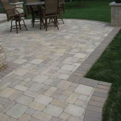 Traditional Patio paver Design Ideas, Pictures, Remodel and Decor Paver Designs, Brick Patterns Patio, Paver Patterns, Brick Pavers, Brick Yard, Pavers Patio, Unilock Pavers, Paver Deck, Paver Sand