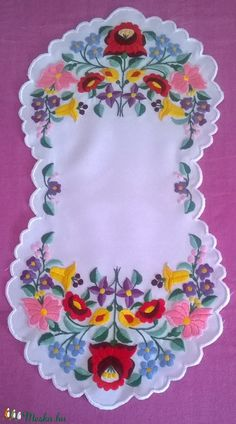 Irresistible Embroidery Patterns, Designs and Ideas. Awe Inspiring Irresistible Embroidery Patterns, Designs and Ideas. Chain Stitch Embroidery, Hardanger Embroidery, Paper Embroidery, Learn Embroidery, Crewel Embroidery, Hand Embroidery Designs, Vintage Embroidery, Embroidery Patterns, Machine Embroidery