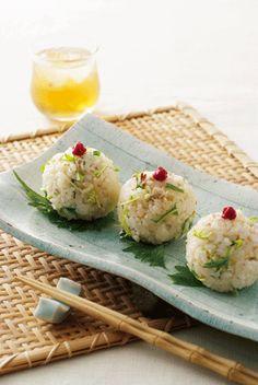 Japanese Food / 天然鯛めしの水菜おむすび