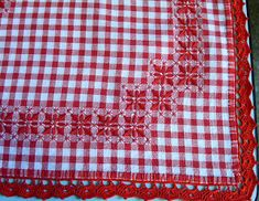 Discover thousands of images about pixel Chicken Scratch Patterns, Chicken Scratch Embroidery, Hand Embroidery Videos, Embroidery Patterns, Sewing Patterns, Gingham Fabric, Straight Stitch, Fabric Manipulation, Cross Stitching