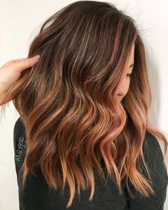 Must-Try Brunette Balayage Styles If you have ever considered brown hair to be boring or dull, think again. With the balayage technique dye is applied to hair without the use of foil, resulting… Auburn Hair Balayage, Balayage Hair Copper, Hair Color Auburn, Balayage Highlights, Hair Color Balayage, Auburn Highlights, Auburn Red, Light Auburn, Hair Color For Women