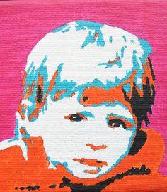 Roos (3 jr) geschilderd in pop-art stijl op een doekje van 10 X 10 cm.