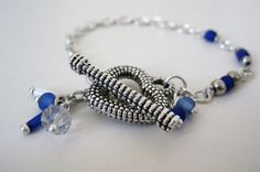 Deep Blue Heart Handmade Bracelet by Taniussia on Etsy