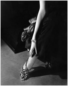 Natalie Paley - 1934 - Sandals by Shoecraft - Vogue - Photo by Edward Steichen
