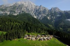 Hotel-Paradiese: Brombeeren, Bienengesumm, Berghütten-Romantik: das Priesteregg im österreichischen Leogang