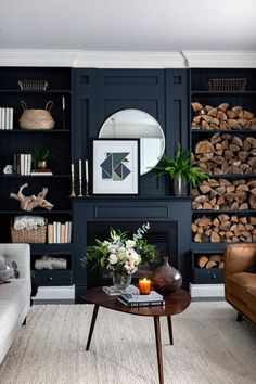 Fabulous and Fresh Farmhouse DIYS and Ideas - The Cottage Market Dark Living Rooms, Cottage Living Rooms, Home Living Room, Living Room Designs, Living Room Decor, Dining Room, Living Room Inspiration, Interiores Design, Family Room