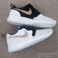 Nike Roshe Run Mesh White Black Golden Shoes Mens Womens - Best Seller