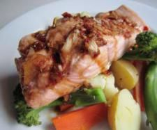 Simple Steamed Salmon | Official Thermomix Recipe Community Honey And Soy Sauce, Steam Salmon, Salmon Fillets, Kitchen Machine, Honey Lemon, Fish Recipes, Community, Green Onions, Thermomix
