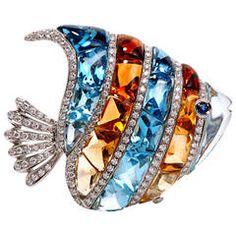 Garavelli diamond, topaz, and citrine fish brooch High Jewelry, Luxury Jewelry, Jewelry Art, Jewelry Accessories, Jewelry Design, Golden Jewelry, Gold Brooches, Vintage Brooches, Vintage Jewelry