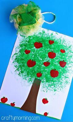 Make an Apple Tree Craft Using a Pouf Sponge #Fall craft for kids! | CraftyMorning.com