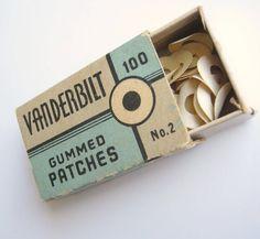 vintage school supplies - gummed patches. Reinforcements! ojetes para reforzar las hojas en las carpetas.