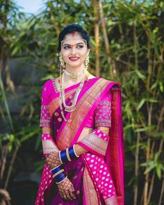 Marathi Brides Who Wore The Prettiest Plum Sarees! Plum Wedding, Wedding Looks, Saree Wedding, Wedding Ideas, Indian Bride Photography Poses, Bridal Photography, Marathi Bride, Nauvari Saree, Indian Wedding Planning