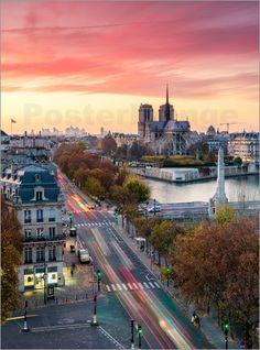 Notre Dame und der Stadt Paris in der Dämmerung, Frankreich - © Matteo Colombo - Bildnr. 632005