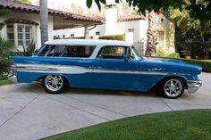 '57 Pontiac Safari. Looks a lot like the Chevy Nomads.