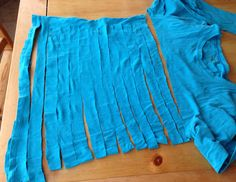 More Creative Ways To Recycle Old T-Shirts!  -Make a Scarf -Easy directions no-sew project.
