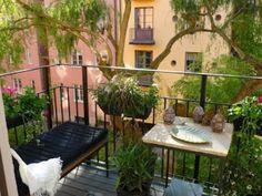 Small balcony designs can offer charming outdoor seating areas and beautiful apartments, extending rooms and connecting home interiors with the nature in a very attractive, organic and inexpensive way. Small Balcony Design, Small Balcony Garden, Balcony Plants, Balcony Ideas, Patio Ideas, Balcony Bench, Small Balconies, Balcony Gardening, Small Patio