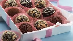 Chocolate rum and raisin truffles. Spread the love this Christmas by giving these special truffles to friends and family. Christmas Dishes, Christmas Baking, Christmas Parties, Christmas Ideas, Christmas Recipes, Christmas Specials, Christmas Lunch, Christmas Sweets, Christmas Goodies