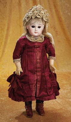 """French Bisque Premiere Bebe by Emile Jumeau, 17"""" (43 cm.) Theriault's Antique Doll Auctions"""