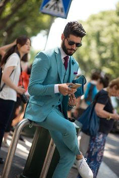 The colour of this suit is not only sexy, I want everything in this colour.