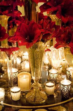 When combined with flowers, hurricanes and creative extras, imagine how your wedding lighting can be transformed. Check out this fabulous gallery full of wedding candles inspiration. Southern Christmas, Elegant Christmas, Gold Christmas, All Things Christmas, Beautiful Christmas, Christmas Time, Natural Christmas, Christmas Candles, Christmas Ideas