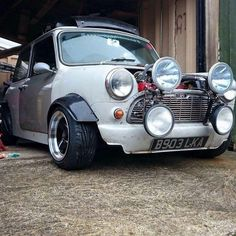 This wont be for everyone but I think it looks awesome! Mini colour too. Mini Cooper S, Mini Cooper Classic, Classic Mini, Classic Cars, Vintage Cars, Antique Cars, Retro Cars, Peugeot, Mini Morris