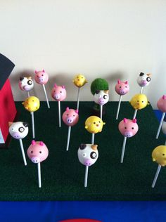 Farm Friends Cake Pops...Must have if I do Farm theme for Livi's bday