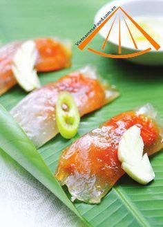Vietnamese Shrimp and Pork Dumplings recipe (Banh Bot Loc)