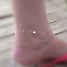 A beautiful tiny gold star anklet bracelet Simple and cute. You must have one for this summer! Perfect for everyday wear . Made from 14k gold filled chain. You can wear it on the foot or on the arm Br
