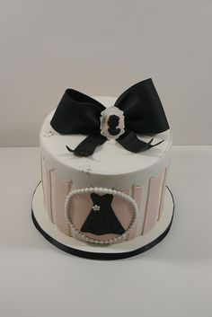 vintage hat boxes | Vintage hat box style cake | Flickr - Photo Sharing!